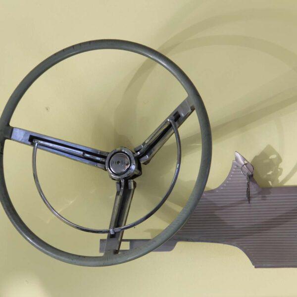 Original Lenkrad und Armaturenverschalung eines Ford Thunderbird Jg. 1961; fabulous fifties