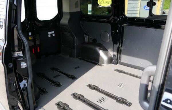 Ford Transit Innenansicht Laderaum
