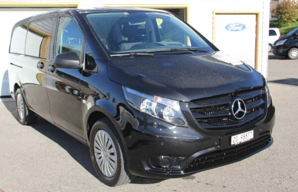 Mercedes-Benz Vito schwarz Vorderansicht
