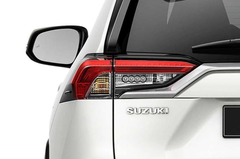 Detailaufnahme der linken Heckpartie des neuen Suzuki Across Plug-in Hybrid